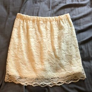 Off white skirt with lace